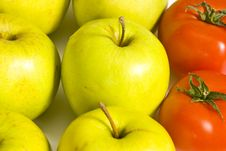 Free Apples And Tomatoes Royalty Free Stock Images - 16841049