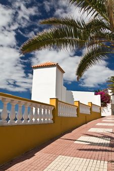 Free Tenerife Footpath Royalty Free Stock Photo - 16844445