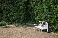 Free White Bench In The Park Stock Photo - 16847140