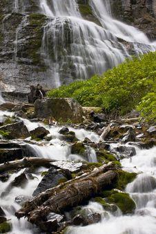 Free Mountain WaterFall Royalty Free Stock Photo - 16847585