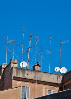 Free Television Aerials And Satellite Dishes Stock Photo - 16849570