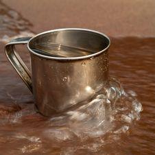 Free Iron Mug And Wave Stock Images - 16851074