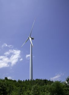 Free Power Generating Windmills Royalty Free Stock Images - 16855109