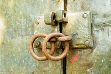 Free Unlock On An Old Door Stock Photos - 16856833