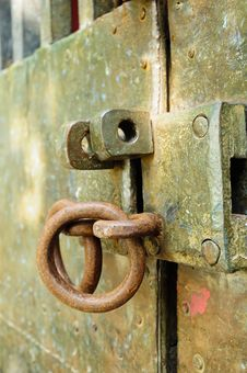 Free Unlock On An Old Door Stock Images - 16857024