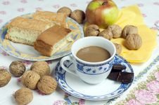 Free Coffee, Cake And Walnuts Stock Photos - 16859323