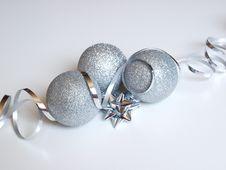 Free Christmas Balls Royalty Free Stock Photos - 16859928
