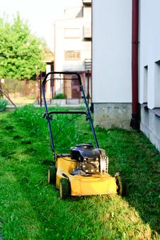 Free Mower On Green Lawn Stock Photos - 16861033