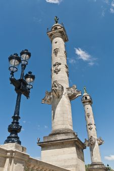 Free Columns Of Rostrales At Bordeaux, France Royalty Free Stock Image - 16864186