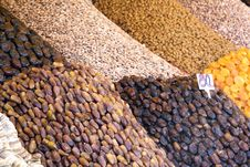 Free African Fruits In A Market Stock Images - 16867164