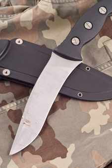 Free Military Combat Knife Royalty Free Stock Photography - 16876477