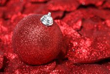Free Xmas Balls Royalty Free Stock Images - 16877009
