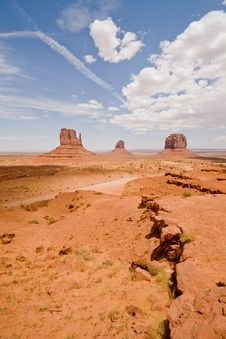 Free Monument Valley Royalty Free Stock Photos - 16877218