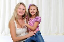 Free Young Mother And Her Young Daughter Stock Photography - 16877962