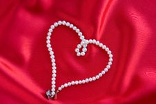 Free Pearl Necklace Royalty Free Stock Photo - 16877965
