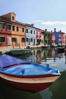 Free Colorful Houses And Boats Of Burano Royalty Free Stock Photography - 16880987