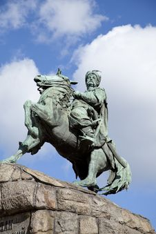 Free A Statue Of A Cossack Bogdan Chmelnitsky In Kiev. Royalty Free Stock Images - 16882849