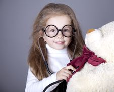 Free Little Girl Royalty Free Stock Photos - 16883198