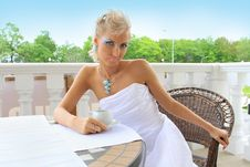 Free Stylish Fashion Model In A Restaurant Outdoors Royalty Free Stock Photography - 16883577