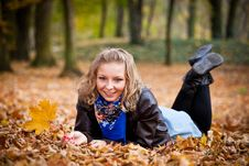Free Girl In Autumn Park Stock Images - 16888834