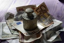 Free Money Royalty Free Stock Photos - 16889848