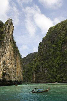 Free Maya Beach Cliffs Royalty Free Stock Photos - 16893488