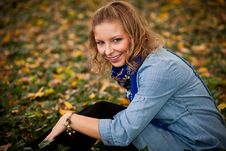 Free Girl In Autumn Park Stock Images - 16898124