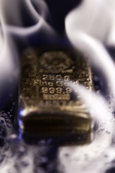 Free Goldbars  And  Flame Stock Image - 16898771