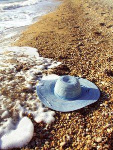 Free Sea And Women`s Hat On A Shingle Beach Stock Photo - 16898790
