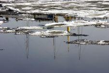Free Ice Drift On Neva Royalty Free Stock Image - 1690916