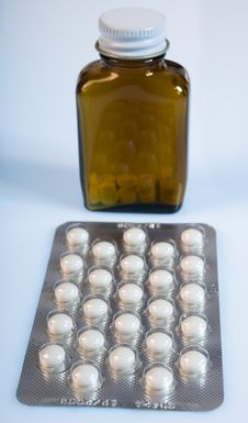 Free Medicine  Tablet Royalty Free Stock Photo - 1693325