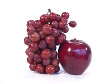 Free Apple And Grapes Royalty Free Stock Photo - 1694525