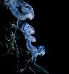 Free Smoke Circles Royalty Free Stock Photos - 1695888