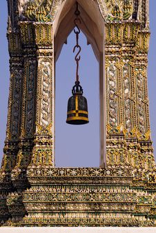 Free Ceremonial Bell At Wat Po Stock Image - 16902651