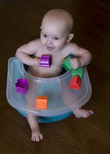 Free Baby Playing With Blocks Royalty Free Stock Images - 16903479