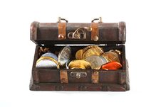 Free Treasure Chest Royalty Free Stock Photo - 16904835