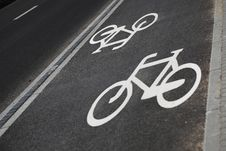 Free Bicycle Road Sign Stock Photography - 16909992
