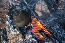Free Teapot On Campfires Stock Images - 16910204