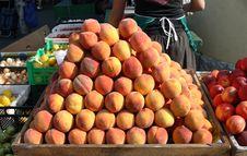 Free Fresh Peaches Royalty Free Stock Image - 16913826
