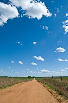A Dirt Road In The Heart Of America Royalty Free Stock Images