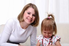 Free Young Mother And Her Baby Daughter Royalty Free Stock Photos - 16917208