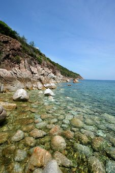 The Rock Beach In Hin Ngam Bay Stock Images