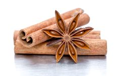 Free Cinnamon Sticks And Star Anise Stock Images - 16921694