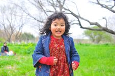 Free Child Running At A Garden Royalty Free Stock Photos - 16925098