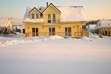 Free Country House In Winter Royalty Free Stock Photography - 16925847