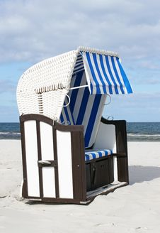 Free Beach Chair In The Sunlight Royalty Free Stock Images - 16926459