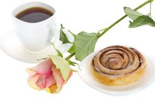 Free Cake With Cinnamon, Tea And Rose Stock Image - 16927011