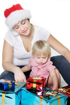 Free Mother And Daughter With Christmas Gift Boxes Royalty Free Stock Photo - 16929375