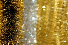 Free Golden Christmas Chain On Bokeh Background Royalty Free Stock Photos - 16942988