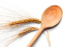 Free Ear Of Wheat And Wooden Spoon Royalty Free Stock Images - 16944349